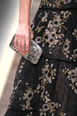 Die for this Valentino clutch!