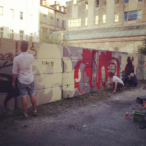 Decorating Kersnikova ;) #graffiti (tomada con Instagram en Klub K4)