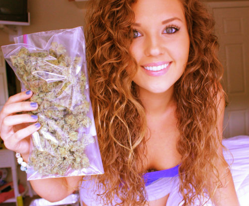 theganjagirls:  Sativa Rose Has The Most Beautiful Eyes