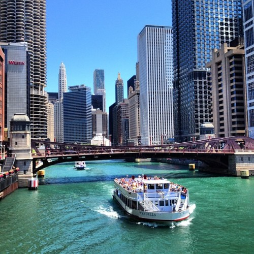 Beautiful.  (Taken with Instagram at LaSalle Street Bridge)