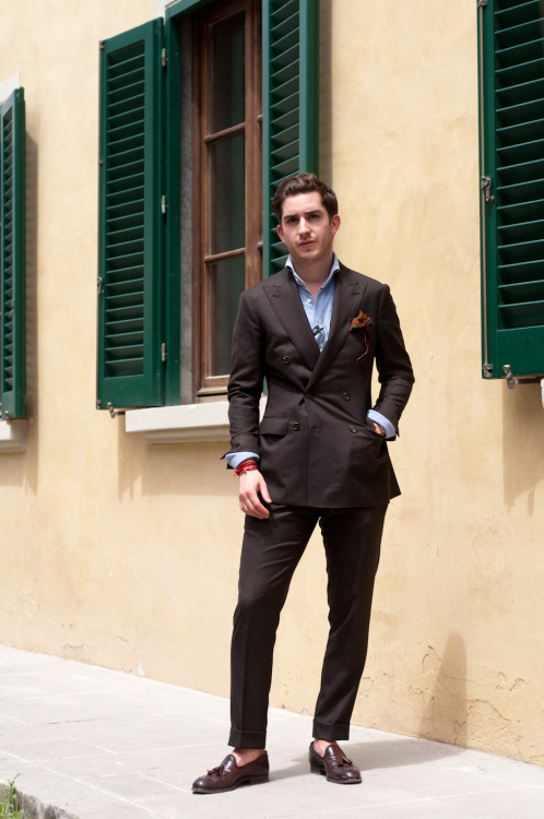 To me this is the perfect way to casually wear a suit in the summer; not too close to the skin, length that covers your ass just enough, no break, open collar. However I wouldn't wear a DB like this in the summer since you can't unbutton it if it gets too hot, and I'd also probably opt for besom pockets. Overall this is a great look though.
