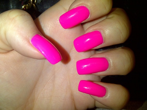 prettypinkbarbie:  I loved this colour on my nails.