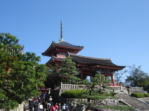Going to Kiyomizu-dera, Kyōto. Saturday, October 6th, 2007.