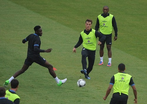 Scott Parker trains in the Nike Laser IV in the blue/black/silver colourway and not the clash collection ahead of England's clash with Italy.