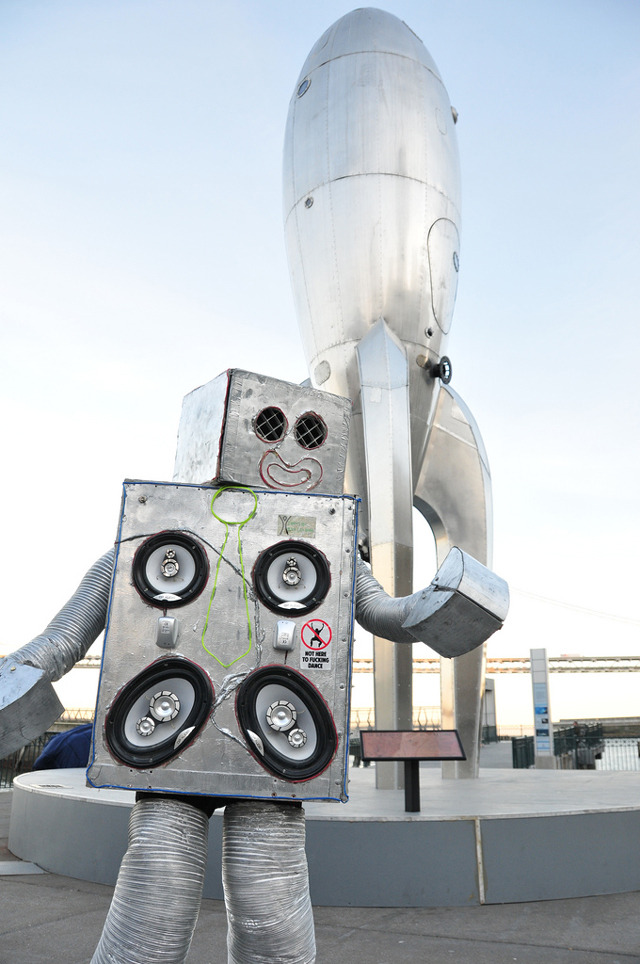 laughingsquid:  Dance Party Robot Brings Music & Fun to San Francisco