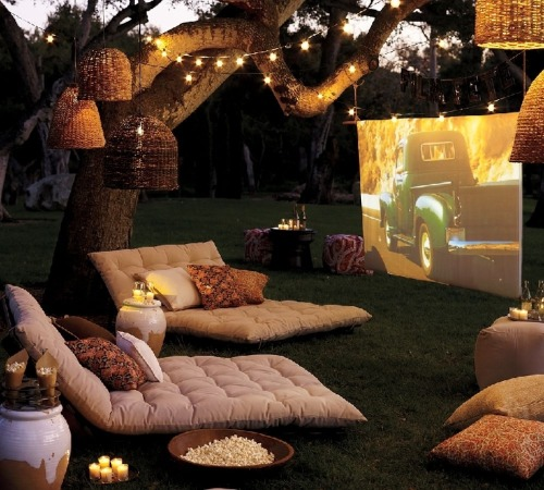 gonnabesomebodysheartbreak:  Okay. This would be the perfect first date. :) Just get rid of the one chair and perhaps have a blanket.