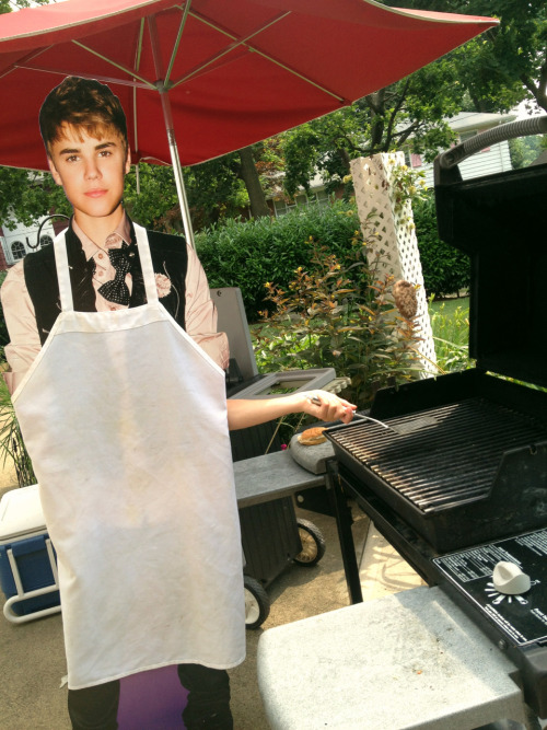 justindoingstuff:  Justin flips burger during annual summer BBQ