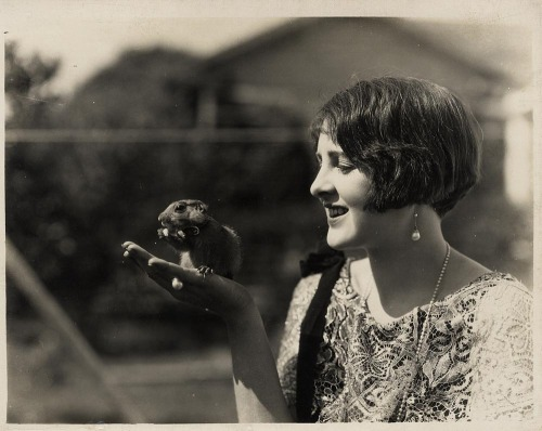 ilakid:  Billie Dove