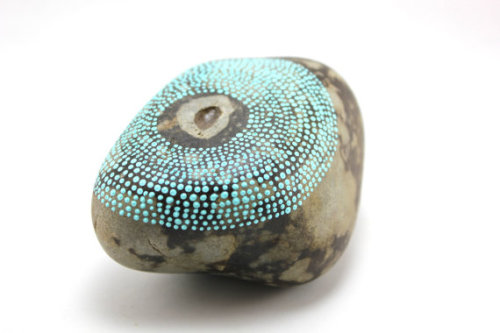 etsy:  (via Guided / Alaska Series / Painted Stones by by artistinthearctic)