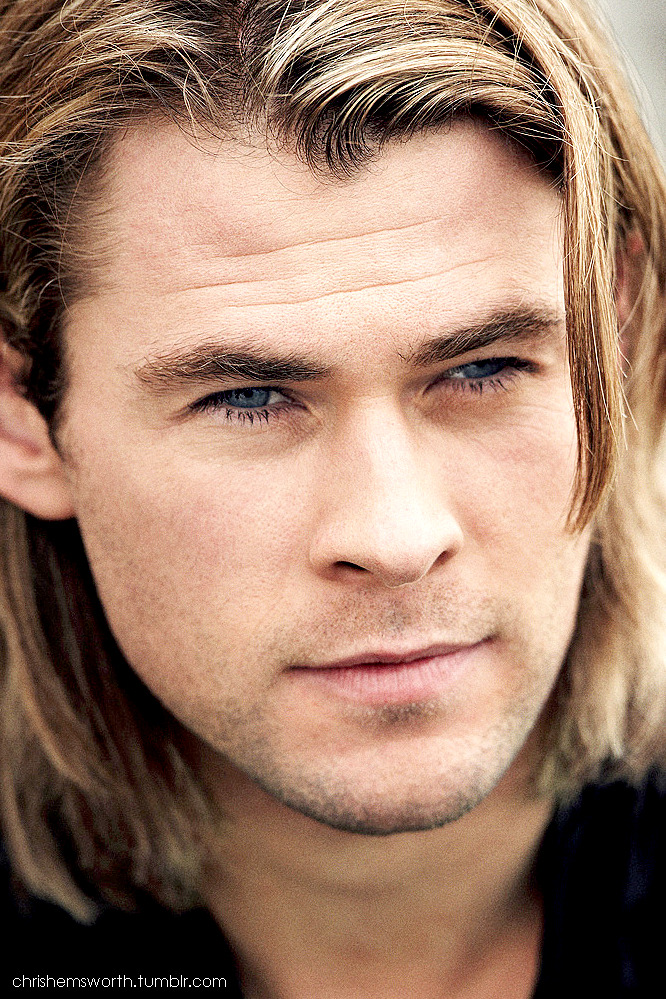chrishemsworth:  Chris Hemsworth Photoshoot (edited by chrishemsworth)