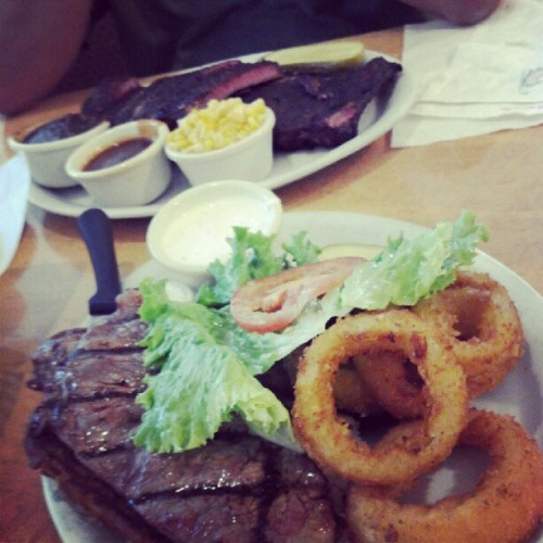 Late lunch w/ Daddy-San (Taken with Instagram at Hick'ry Pit Walnut Creek)