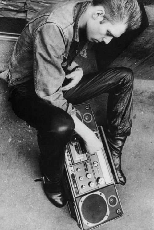 80srecordparty:  Paul  Simonon