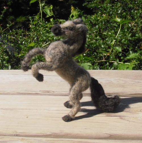 thegrinningcatofdoom:  Needle felt horse Etsy Listing by MarchHareCreations