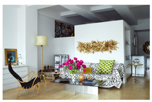 Product designer Carol Fertig's Manhattan Rental in July issue of Elle Decor Love the juicy mix