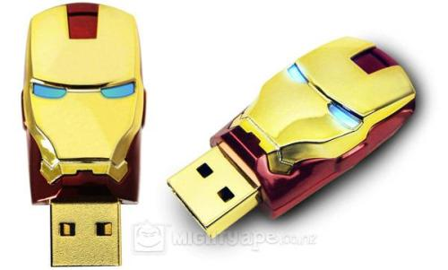geekystar:  The most awesome USB flash drive's.  Captain america  The Hulk  Iron man Thor Hammer