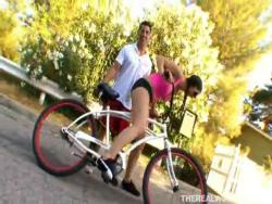 Beverly Hills needs vaginal bicycle trainingHot Videotime 6:32 minLink: http://is.gd/lzDvw7