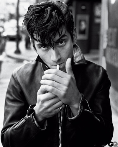 haiyouarebeautiful:  Alex Turner <3