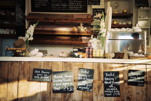 truthe:  bakery love by .redredred on Flickr.
