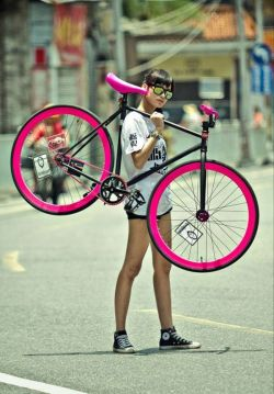luckymag:  vidyagame-her:  fitter-than-a-snicker:  Bad. Ass.  I want this bike.  BAD ASS.