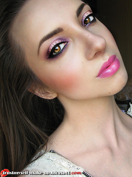 beautylish:  A romantic pink makeup look from Marta G.!