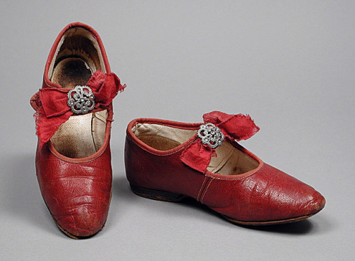 omgthatdress:  Girl's Shoes 1880 The Los Angeles County Museum of Art