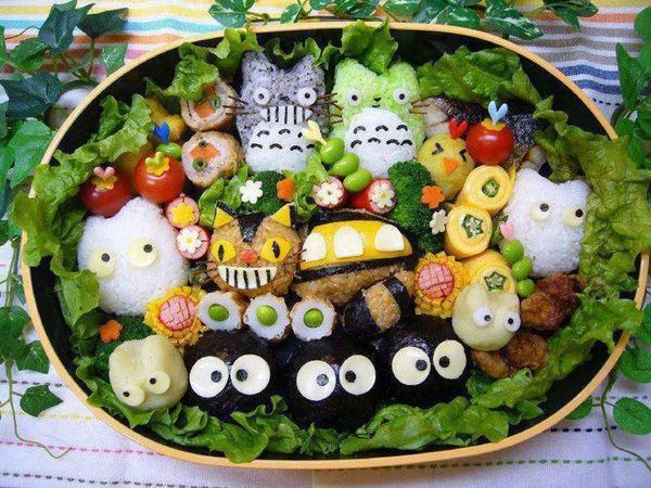 ohmyasian:  2743. Totoro Bento Box. THIS IS EPIC.
