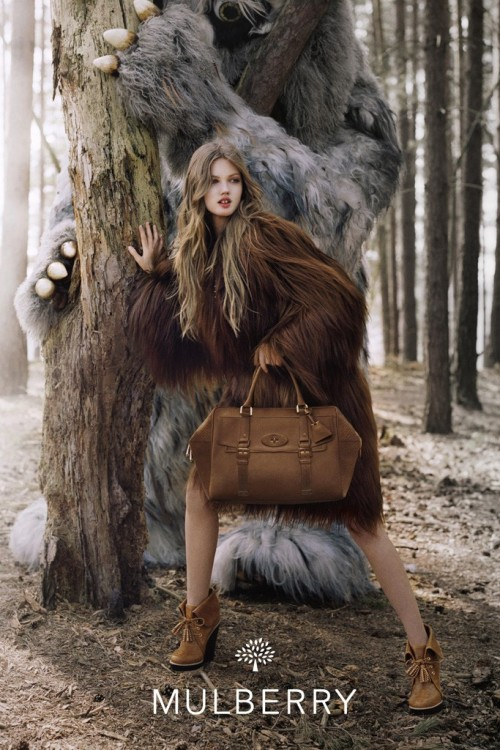 suicideblonde:  bohemea:  Lindsey Wixson for Mulberry Fall/Winter 2012-13 by Tim Walker  How is Lindsey even REAL?  So beautiful!
