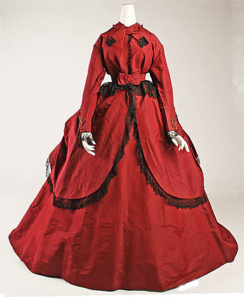 Dress 1869 The Metropolitan Museum of Art