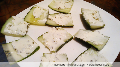 Snack: Chives & Onion cream cheese on cucumber slices. NOM.