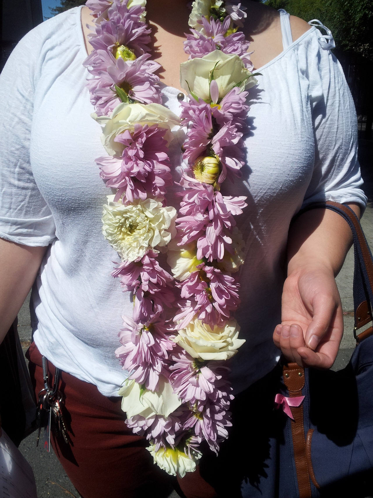 Custom made Fresh Flower Lei for Graduation made of Daisies, Dahlias, Roses.