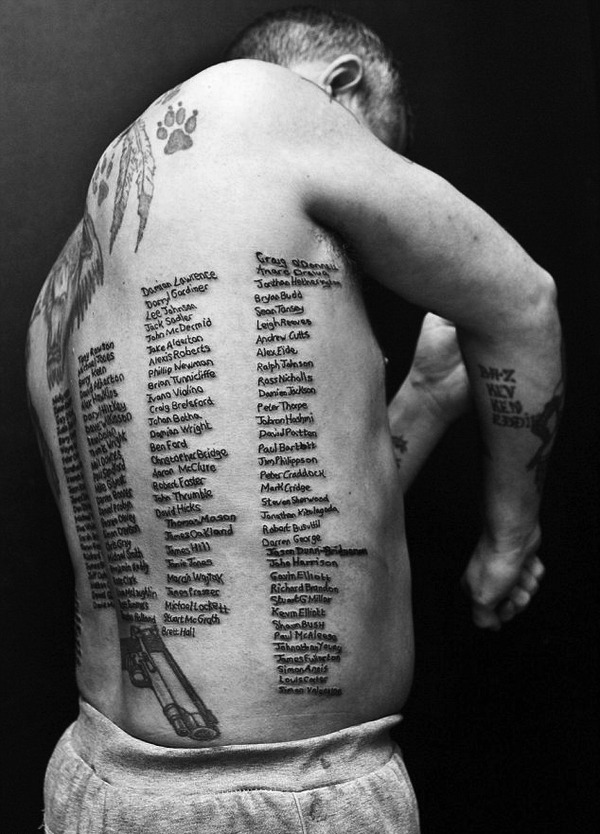 cruello:  This british veteran tattooed the names of 232 fallen fellows. via