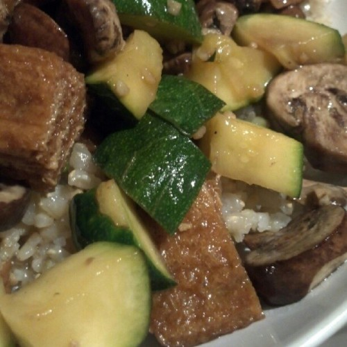 Simple StirFry - Crimini #Mushrooms + #squash + #tofu over #brownrice. :9 #foodporn #veggies #vegetarian #cooking #nofilter (Taken with Instagram)