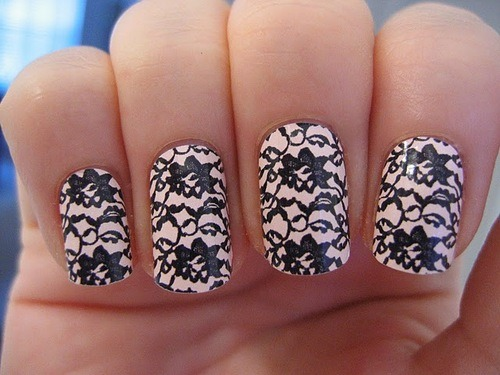 inspiration-fashion:  I wish I could draw this on my nails…