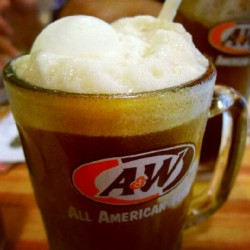 #Malaysia #kl #KualaLumpur #food #beverage #drink #icecream #float #rootbeer #aandw disappeared in Singapore (Taken with Instagram)