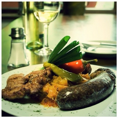 Traditional Slovak sausage with vegetables #iphonesia #instagram #statigram #cooking  #dairy #delicatessen #delicious #european #food #regionalfood #restaurant #slovakfood #slovakian #tasty #traditionalfood #instabest #photowall #photo_cafe #instacool #instawaw #instacanvas #instafood #cabbage #farm #liptov #meat (Taken with Instagram)