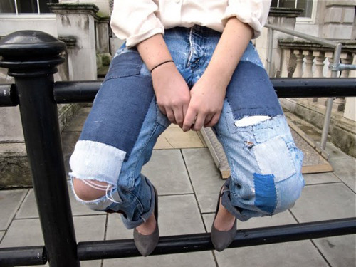 sppice:  what I would do to have these jeans oh my