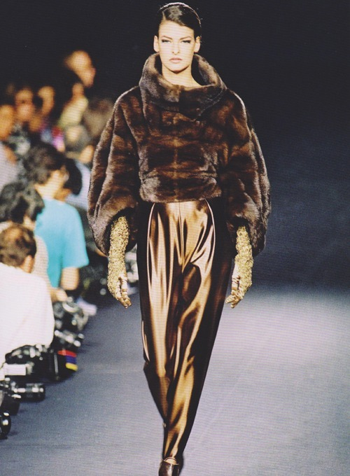 bodyfluids:  Claude Montana for Lanvin Haute-Couture, Fall-Winter 1990-1991, Linda Evengelista