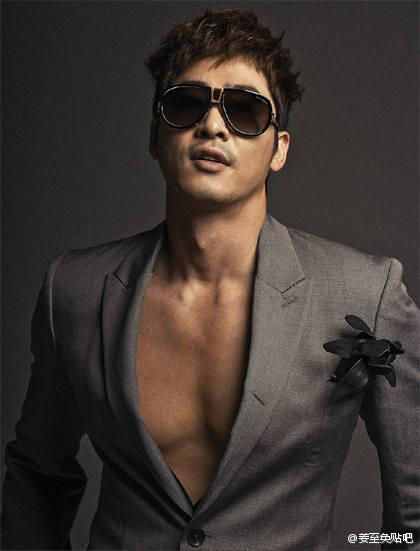 """Kang Ji Hwan in the April issue of Bazaar magazine. He parades his sexiness with the fabulous 2012 Spring/Summer eye wear collection from world designer Tom Ford."""