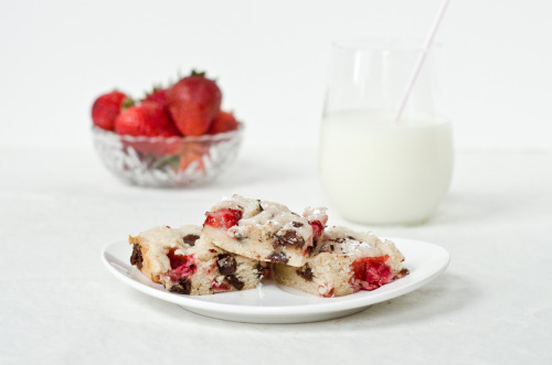 Chocolate Strawberry Blondies