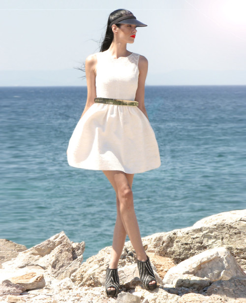 "lookbookdotnu:  ""Sea""king for love.. (by Konstantina Tzagaraki)  Looooove the dress!"