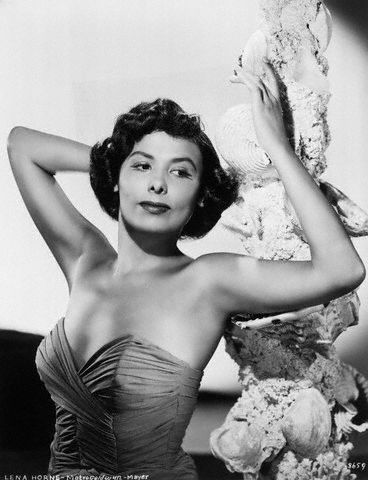 presidentforlife.com  1940s MGM publicity photo of Lena Horne.