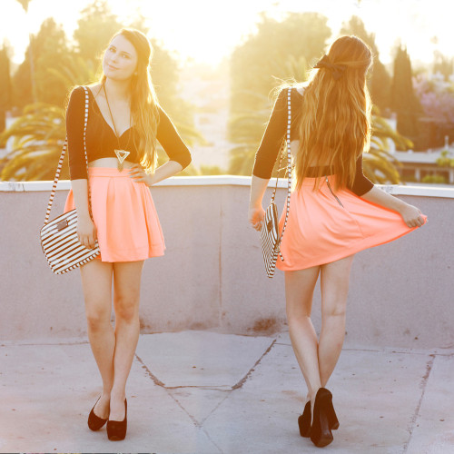 lookbookdotnu:  The glow of the sunset in the summer skies  (by KayKay Blaisdell)