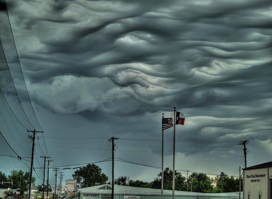 scienceyoucanlove:  Asperatus cloudsAsperatus clouds are so rare they managed to escape classification until 2009. Ominous and stormy as they appear, these clouds often break up rather quickly, without producing a storm. As with most other undulating cloud types, these clouds are formed when turbulent winds or colliding air masses whip up the bottoms of the cloud layer into fancy shapes and formations. More common in the plains of the United States (try Iowa), asperatus clouds are at their weird and swirly best during the morning or midday hours after a thunderstorm. Photograph by B.J. Bumgarner