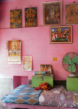 bohemianhomes:  Bohemian Homes: Bright Bold Indian Bedroom