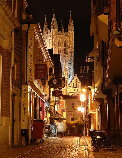 bluepueblo:   Late Night, Canterbury, England photo via chickflick