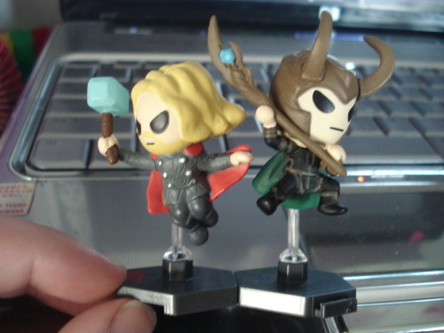 cklikestogame:  THOR AND LOKI GRAB ZAG GIVEAWAYHey guys! Doing another give away!!This time I have an extra pair of Grab Zags Thor and Loki because I'm obsessed.. These two are my personal ones but the ones I will be giving away are wrapped in their original plastic found inside the blind bag itself.RULES!1) I normally hate doing this because of spam reasons but feel free to reblog as much as you want!2) Likes don't count.3) You don't have to be following me.4) PLEASE DO NOT  USE GIVEAWAY BLOGS. I rather see other people who don't normally do give aways and such to have a chance at this. Giveaway blogs in my opinion is like a cheat code so just no. I will be checking. 5) I will ship ANYWHERE! Considering how small and light they are I got shipping this time around :)6) I will attempt to use a random number generator to see who wins!7) I WILL PICK SOMEONE ON JULY 26TH!Good luck :D