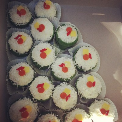 20 beautifully sushi replica cupcakes made my cousin @cjanellee_  for my son @notbernard's birthday from both @kimisan and I.🍘🍙🍣 (Taken with Instagram)