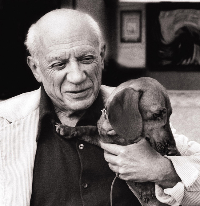 ruineshumaines:  Picasso's portrait of his adored dachshund, Lump.