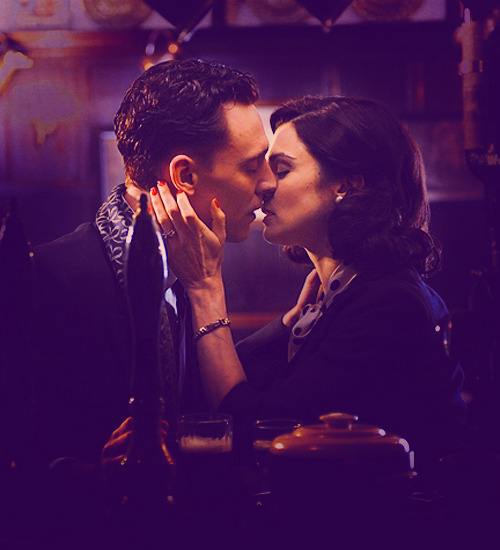 (♕) 50 Pictures of Tom Hiddleston's Characters.    ↳ 39/50 (The Deep Blue Sea).