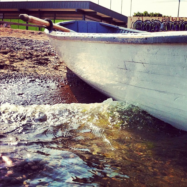 #toronto #beach #boat  (Taken with Instagram)